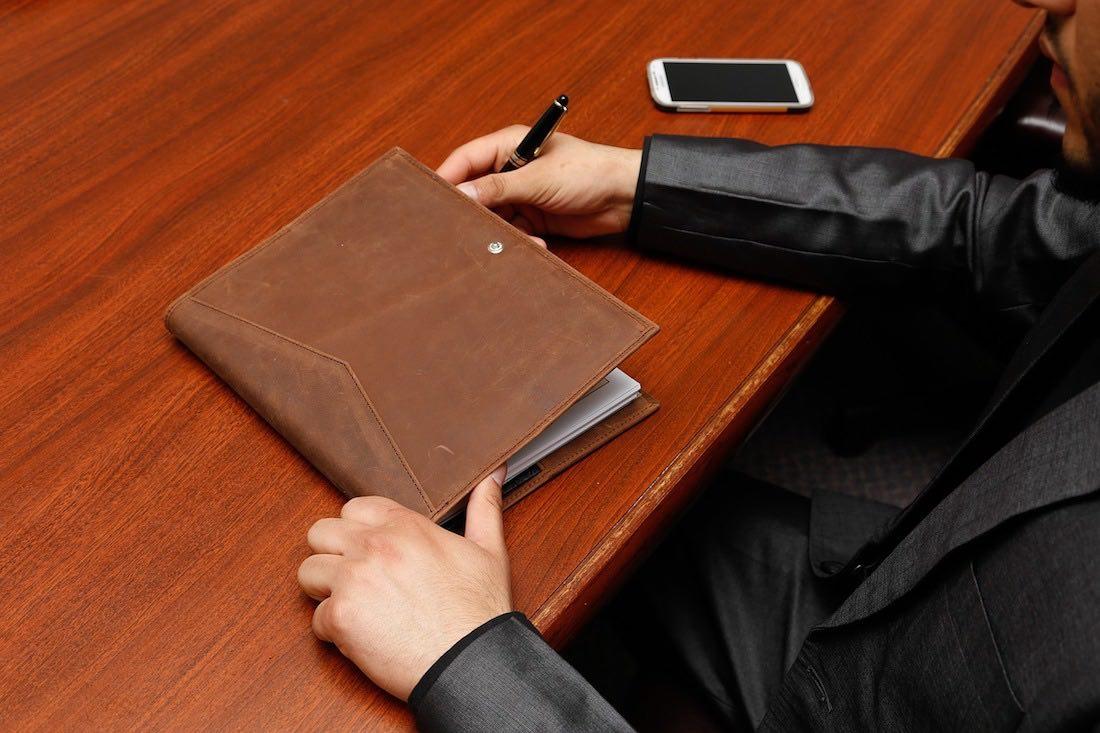 smlouva o převodu podílu společnosti s.r.o.